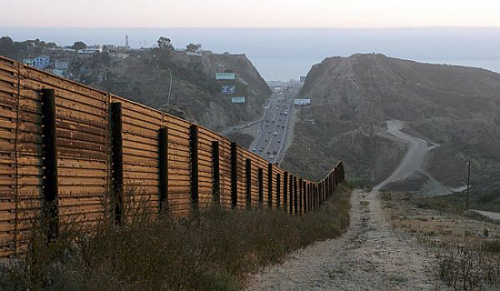 Us-mexico-border1 wall