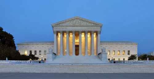 2560px-Panorama_of_United_States_Supreme_Court_Building_at_Dusk